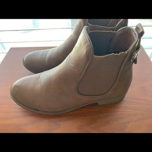 ⭐️Camel Ankle booties
